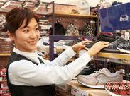 商品のディスプレイや、試着品をたたんだり、レジ打ちなど…お客様に気持ちよくお買い物をしていただけるようお願いします♪