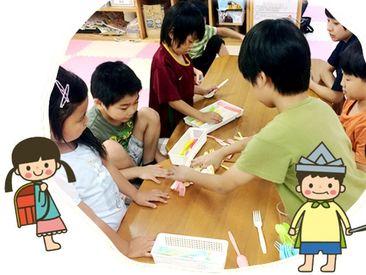 一緒に、お遊戯をしたり♪ 一緒に、お歌を歌ったり♪ 子供達の成長に関われる  楽しくてヤリガイのあるお仕事