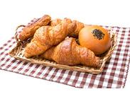 お客様の「また来ました!」の笑顔に触れられるお仕事です!行列のできるお店のおいしいパンを自信を持って勧めて下さい★