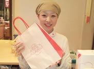 デザインコンテストで入賞したこだわりのパッケージは日本の伝統と新製法で作られたお菓子の融合を表現☆