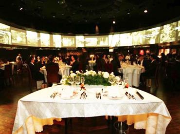【ウェディング/パーティーSTAFF】*◆:。☆。 Casual Weddingスタッフ募集 。☆。:◆* 【短期OK × 高時給】未経験のアナタでもかんたんにできるオシゴト♪♪