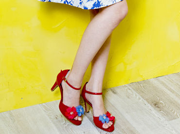 【店舗STAFF】+◇大人気の婦人靴ブランド『HIMIKO』週2/6h~OK履歴書不要<ノルマなし>学校とも家事とも両立できます♪