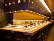 明るくてモダンな贅沢空間♪1960年創業、銀座で愛され続けるお寿司屋さんです。バイトして行きつけのお寿司屋さんを作ろう★
