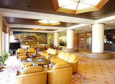 ロビーからも自慢の瀬戸内海の景色が見れます◎ そんな素敵な空間で旅館の顔として働きませんか('ω')??
