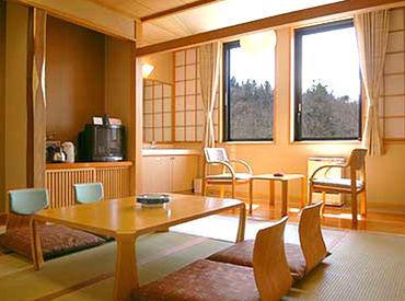 雄大な自然・静かな森にかこまれたホテル内でのお仕事です★休憩時間には森林浴も楽しめるので、リフレッシュにピッタリですよ♪