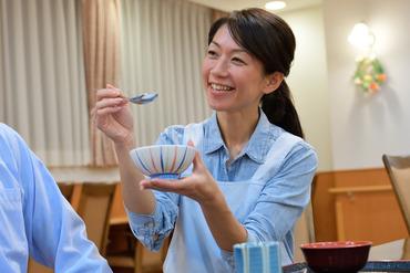 【サービス付き高齢者向け住宅STAFF】利用者様の居住の安定と確保を目的にした施設です◆安否確認・生活相談サービスなどお仕事様々☆人の役に立てるお仕事です♪