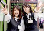 <女性Staff活躍中♪>大型空気洗浄機があるのでタバコ臭がなく、快適です◎制服がカワイイから、バイトがちょっと楽しみに★