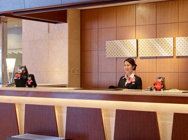 【フロントStaff】\電停・辛島町から徒歩3分!!/三井ガーデンホテル熊本のフロント慣れるまでは先輩と一緒◎自然とマナーも身につきますよ~