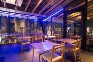 夜は下町の浅草の夜景を楽しめるスペースに♪ 地上8階からの長めは抜群です!