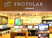 PHOTO LABは中野ブロードウェイ1階入ってすぐ!カントリー調のお洒落な店内♪ワクワクするようなカメラ雑貨もたくさん!