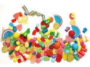 色鮮やかなお菓子に囲まれて…幸せ気分♪♪未経験からスタートしたスタッフが多数活躍中!フリーターさん大歓迎◎
