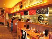 モダンな雰囲気の店内でオシャレ★ よく見て…神楽のロゴって何かに似てる… (卍^o^){…。