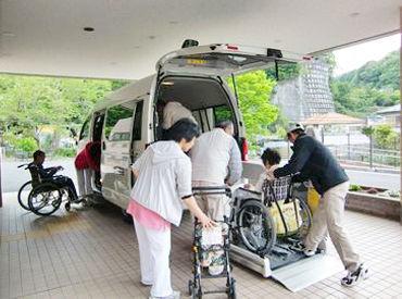 ◆福利厚生や待遇が充実! 駐車場も無料!無料送迎バスもあり! 有給も積極的に取る雰囲気が あるので言いやすいですよ☆彡