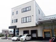 車・バイク・自転車通勤OK!駐車場も完備しています◎葵区からマイカーで通勤をしているスタッフも多数います!