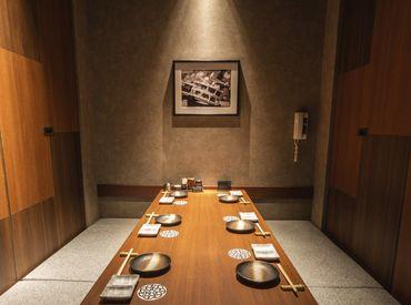 西梅田駅スグ!\未経験大歓迎♪/ 美味しい食事補助や社割など働くスタッフさん限定の特典多数!