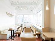 『オシャレなレストランで働きたい‼』そんな方にぴったりです♪落ち着いた雰囲気の中で丁寧な接客ができます…。*゚