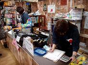 <商品を見ていて楽しい☆> 小ぢんまりした店内にぎっしり商品が…!園芸用品やインテリアなどの可愛いグッズがいっぱい♪
