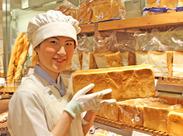 焼きたてパンのフワッと香る匂いがたまらないっ♪ キレイに並べられたときはなんだか嬉しいです◎