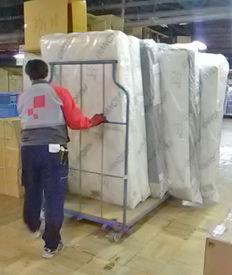 【倉庫内STAFF】**家具を倉庫から出し入れするお仕事**家具を台車に乗せて⇒移動させます♪正社員への登用も積極的に行っています◎