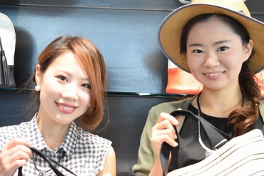 【ショップ店員】<学生歓迎><社割50%>就活で役立つスキルも身につく♪★メンズウェア・雑貨/着る人と共感し合える服の提案★