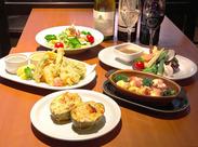 温野菜サラダやレモンステーキなど絶品料理がたくさん取り揃えています♪