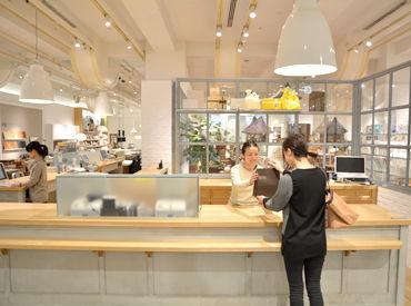 「ACTUSに住みたい!」そんなスタッフ・お客様がいらっしゃるほど、居心地最高の店内◎皆様から愛されているお店なんです♪