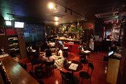 誰でも気軽に立ち寄って料理とお酒を楽しめる洋風酒場★ 地元人気店で一緒にお仕事しませんか?