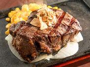 メインのメニューはステーキ♪他のレストランと比べてメニュー数も多くないので、オーダー取りも難しいことはありませんよ◎