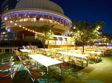 【ビアガーデンSTAFF】☆今年も開催☆地上13階!キラキラ星も綺麗!プレミアムな夜景に囲まれて…♪+ビール&生演奏+VIPに愛される特別空間!