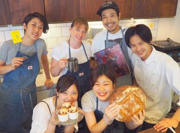 【カフェStaff】― 話題のLOG ROAD DAIKANYAMA\LOCAL&CRAFT/緑溢れるお洒落Cafe★国産小麦で作る自家製酵母パンをご提供