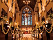 式場はこのように圧倒的な存在感を誇る大聖堂です♪幸せ溢れる憧れの結婚式場を、より華やかにつくっていきましょう!