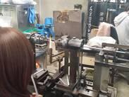 旋盤を使いガラス管どうしを繋げるなど熟練の技術が必要になり、一生モノのスキルを身に付ける事が出来ます。