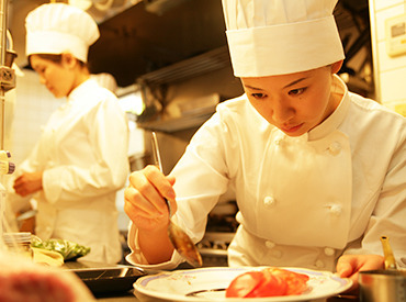 【キッチンSTAFF】本格レストランで、一生モノの調理スキルを★丁寧に教えてもらえるので、「料理の世界って厳しそう…」そんな心配も必要なし♪