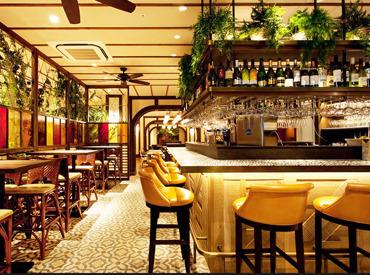 【カフェStaff】― モダンなアジアンCAFE/DINING ―本格的&スパイシーな料理をおしゃれ空間で♪某グルメサイトで高評価の超人気店でオシゴト★