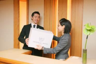 【帝国ホテルのカウンターSTAFF】≪帝国ホテル≫のカウンターSTAFF宅配の受付/バス券の販売など一流ホテルで優雅に…★英語も活かせる