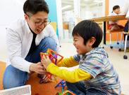 ワイワイ楽しく遊びながら学べるから 教室はいつも笑顔でいっぱいです!! 一緒に成長できる環境がココにあります◎
