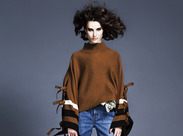 ≪DOUBLE STANDARD CLOTHING≫スタンダードの中に絶妙な個性が光る、人気ブランド。高時給スタートでしっかり稼げますよ♪