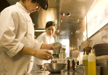 ~キッチン経験者歓迎~ 高級食材を使ったイタリアンでスキルアップ! 和食など別業態からのキャリアチェンジ歓迎★