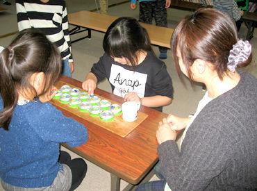 小学校低学年のお子さまの利用がメイン◎ 一緒に楽しく遊んでいると、 時間が過ぎるのもあっという間ですよ~!