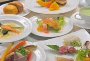 「はとのす荘」では元帝国ホテルの料理長が腕を振るうイタリアンのコース料理をお客様へご提供しているレストランがあります♪