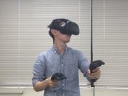 """ゲームのバグチェックをお任せ♪ 話題の""""VR"""" (バーチャルリアリティ)の チェックもしています♪ 最先端ゲームに触れるチャンス!"""