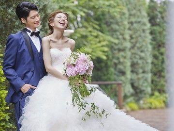 【結婚式場の受付・フロントSTAFF】☆・'*.・。 結婚式場で、一生の思い出を 。・.*'・☆お二人の特別な1日をサポートするお仕事です。
