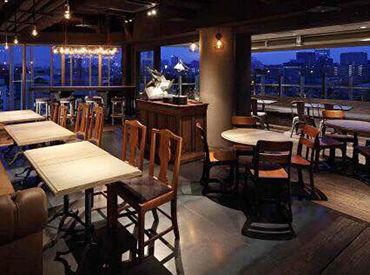 都心を一望出来る空中レストラン! お店の内装と夜景の相性がピッタリ!♪