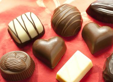 【チョコの箱詰め,検品】\*あまい香りにつつまれて…♪*/とっても簡単!チョコレートの箱詰めetc...≪週2日~≫≪履歴書不要≫≪特別手当あり≫