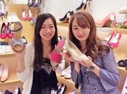 パンプス・ブーツ・サンダルetc..女の子ゴコロをくすぐるかわいい靴がいっぱい★おしゃ楽しい職場です♪