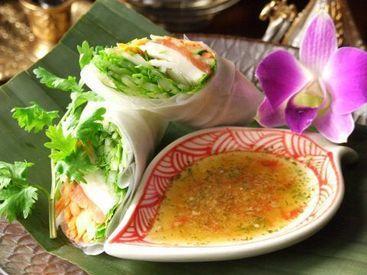 ◆美味しい料理が休憩中は無料! staffならではの特典! ヨーロッパからアジアまで多国籍な料理・カクテルがそろっています♪