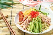 今からは中華麺の製造♪ 麺ポンッ具材ポンっとカンタンパパっと♪