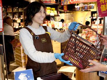 現在は、お客様が安心してお買い物できるよう 店頭でカゴの消毒やアルコールの差し出しなどを 積極的に行っています◎