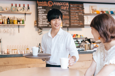 【カフェ・ダイニング】~オープニング店舗もあり~カフェ、カフェレストランなど…好みのお店で働ける♪人々に愛されるお店を一緒に作りましょう!