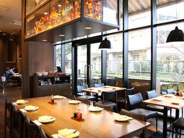 ◆駅2分×グランツリー武蔵小杉内◆ イタリア仕込みの店長が働くピッツェリア*。 店内はカジュアルな雰囲気。
